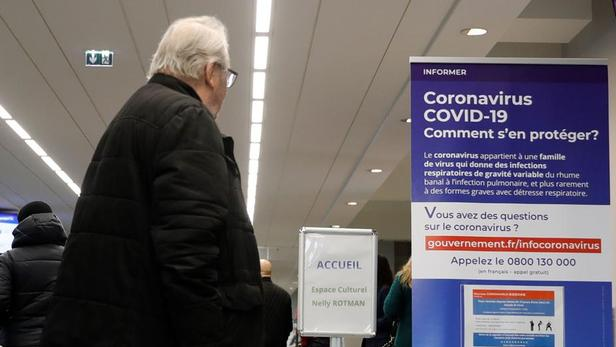 L'épidémie de coronavirus a dépassé lundi le seuil des 110.000 personnes contaminées dans le monde.