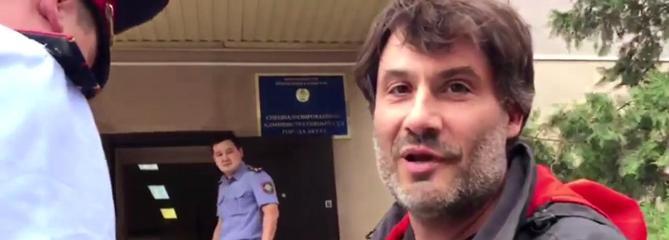 L'interpellation d'un journaliste d'Enquête Exclusive au Kazakhstan