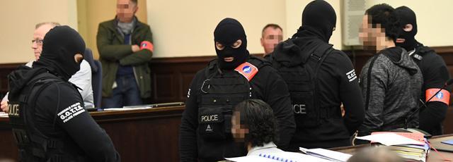 20 ans de prison requis contre Salah Abdeslam et Sofien Ayari
