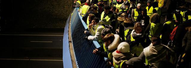 «Gilets jaunes» : les blocages se poursuivent ce lundi