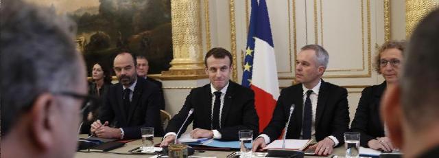Macron a «écouté», sans dévoiler ce qu'il annoncera ce soir