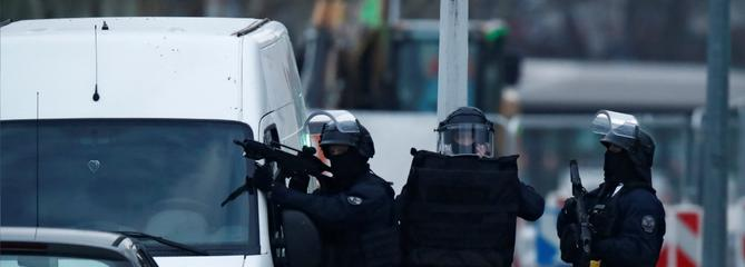 Attaque de Strasbourg: des opérations de police en cours
