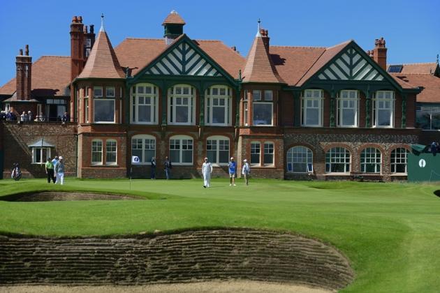 Le club-House du Royal Lytham and St Annes, juste derrière le green du 18. Une vue imprenable sur l'un des parcours les plus difficiles d'Angleterre ! (F.Froger / D4)
