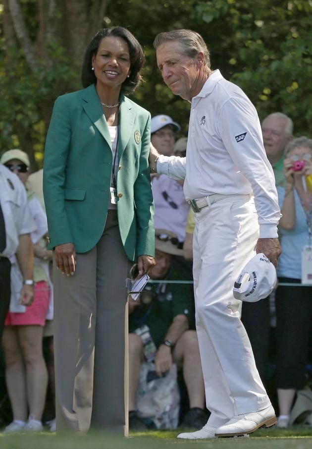 L'ancienne secrétaire d'Etat, Condoleezza Rice, devenue membre de l'Augusta National Golf l'année dernière, en grande discussion avec Gary Player. (Reuters)
