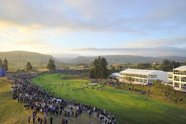 Formidable stadium golfique, le parcours de Gleneagles vit des heures historiques en accueillant la 40e édition de la Ryder Cup sous un soleil automnal béni...