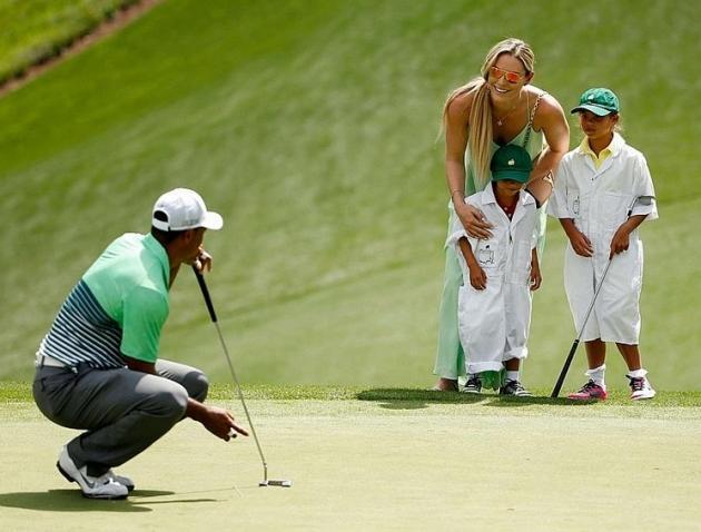 Le concours de Par 3 organisé traditionnellement la veille du tournoi a donné lieu à de belles parties de rigolade. Tiger Woods y a participé avec ses enfants Charlie et Sam, ainsi que sa compagne Lindsey Vonn. « Nous avons vécu un moment inoubliable » a-t-il commenté.