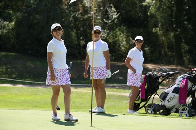 Un dress code recherché pour Roxane Ginac, Laurence Chomarat et Ingrid Pontal (Karin Dilthey).