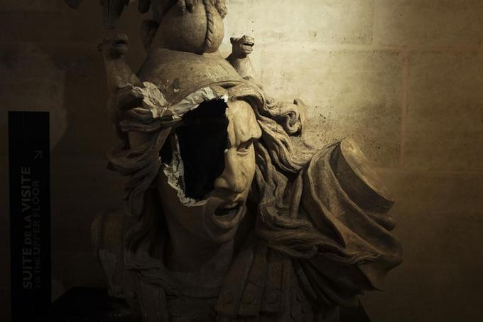 Gilets jaunes: l'Arc de Triomphe saccagée à Paris