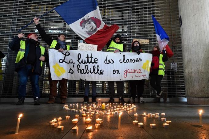 L'homme qui a boxé un gendarme identifié — Paris