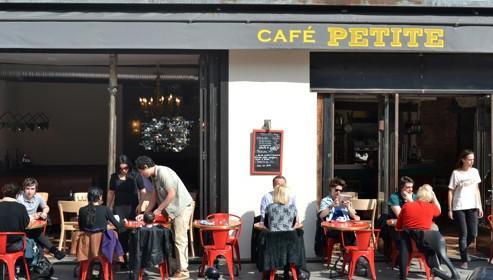 Lire la critique : Café Petite