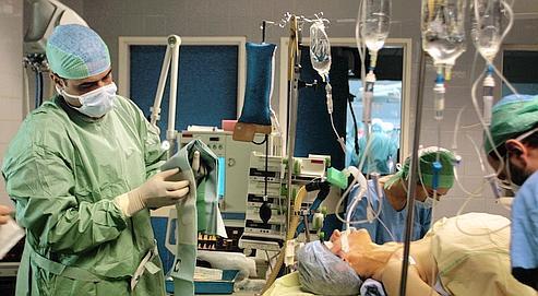Résultats de recherche d'images pour «patient endormi avant l'opération»