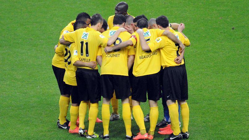 Les joueurs de Quevilly s'apprêtent à affronter Lyon au Stade de France, le 28 avril 2012.