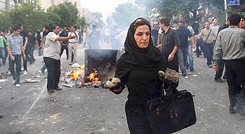 les opposants iraniens gagn s par la d prime. Black Bedroom Furniture Sets. Home Design Ideas