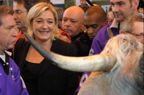 Marine LePen, qui visitait vendredi le Salon de l'agriculture, à Paris, affirme qu'il lui manque encore 48des 500signatures nécessaires pour concourir.