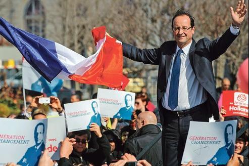 «Ce qui compte pour moi, ce ne sont pas les sondages, c'est le vote des Français», a déclaré, mardi à Valence, le candidat socialiste devant 2000 personnes.