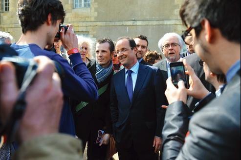 François Hollande, mardi, après un meeting à Tours.