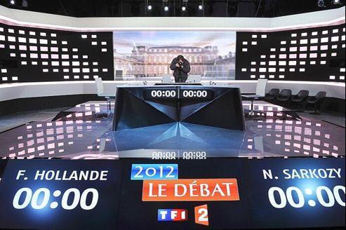 Le plateau sur lequel s'affronteront mercredi François Hollande et Nicolas Sarkozy.
