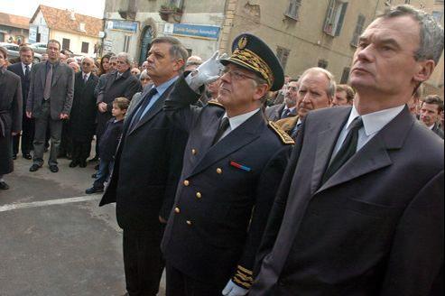Le préfet de Corse Pierre-René Lemas à Ajaccio, en février 2005.