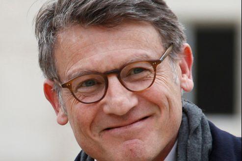 Outre Vincent Peillon, deux ministres du gouvernement Ayrault vivent avec des journalistes.
