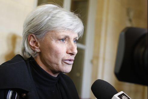 L'ex-maire du XVIIe arrondissement soutient la candidature dissidente de Brigitte Kuster pour les législatives à Paris.