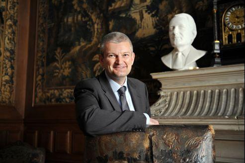 Olivier Falorni, dissident PS et proche de François Hollande, refuse de retirer sa candidature à La Rochelle face à Ségolène Royal.