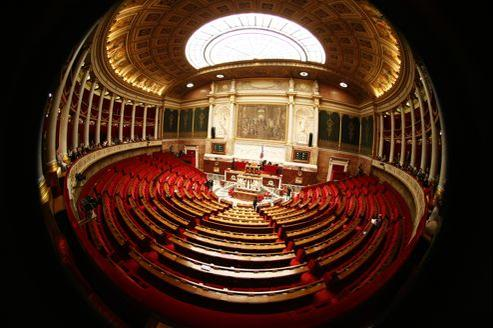 Le nombre de députés nécessaire à la constitution d'un groupe parlementaire à l'Assemblée nationale a beaucoup évolué.