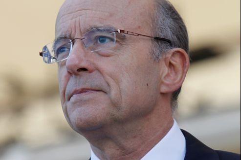 Alain Juppé a pris ses distances, mardi, avec la stratégie du «ni-ni», «ni Front national, ni front républicain», adoptée pour le second tour par l'UMP.
