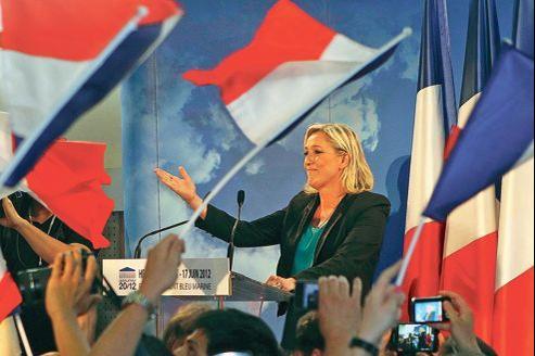 Marine Le Pen est battue. Il lui a manqué 118 voix face au socialiste Philippe Kemel.