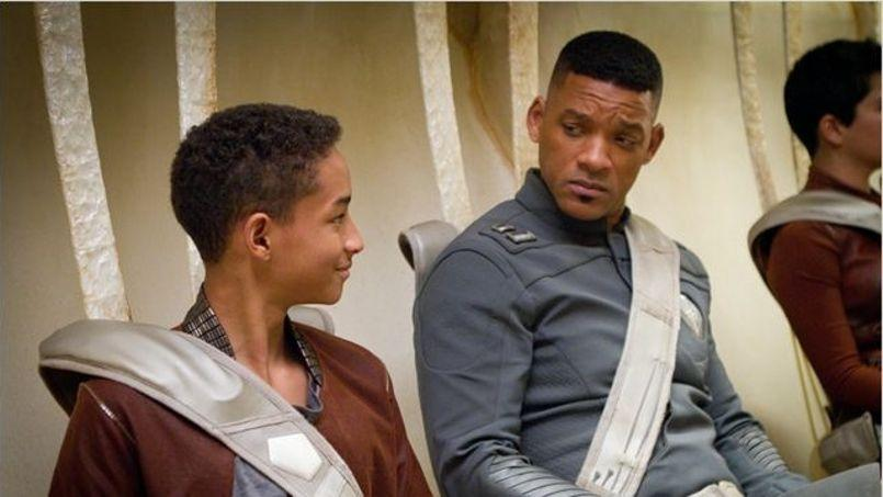 Will Smith et son fils Jaden Smith dans After Earth.
