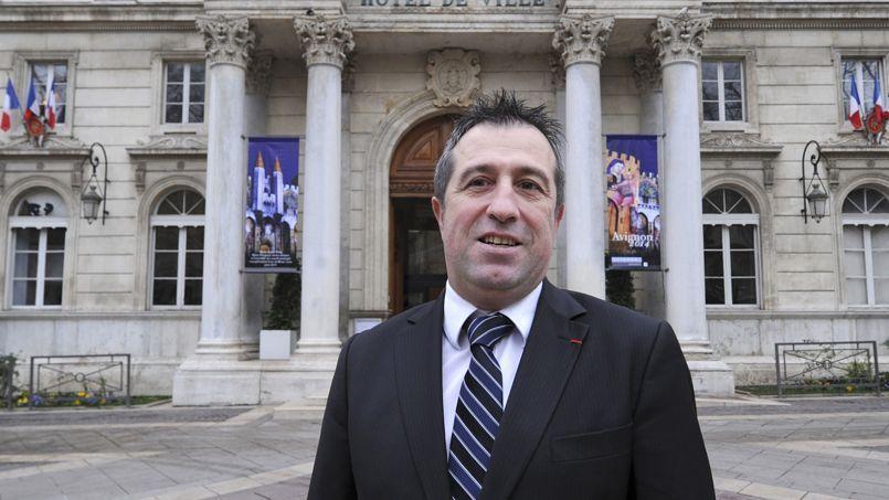 Bernard Chaussegros, candidat UMP, présente un projet fondé sur la relance de l'économie dans le tourisme, la culture et le numérique.