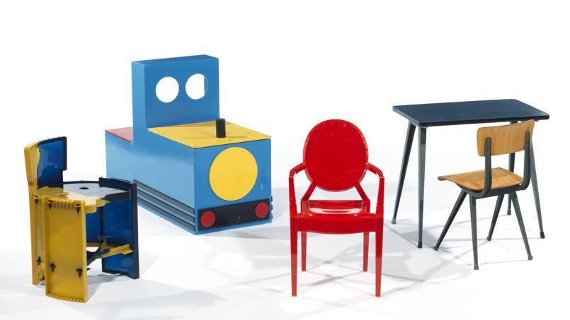des meubles pour les enfants vendus aux ench res. Black Bedroom Furniture Sets. Home Design Ideas