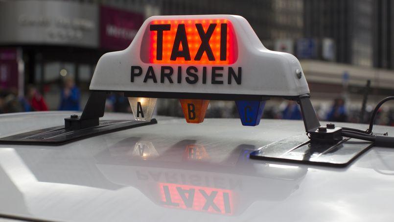 les taxis bleus se mettent l 39 heure des montres connect es. Black Bedroom Furniture Sets. Home Design Ideas