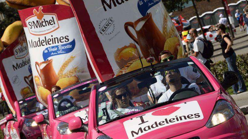 La caravane publicitaire sur le Tour de France, le 14 juillet 2014 entre Mulhouse et la Planche des Belles Filles.