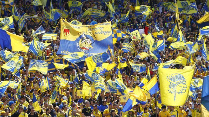 Les supporters des «Jaunards» en jaune et bleu.