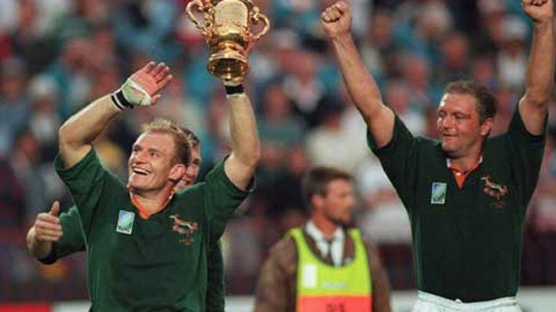 Hannes Strydom, à droite sur la photo, lors de la victoire des Springboks en Coupe du monde en 1995