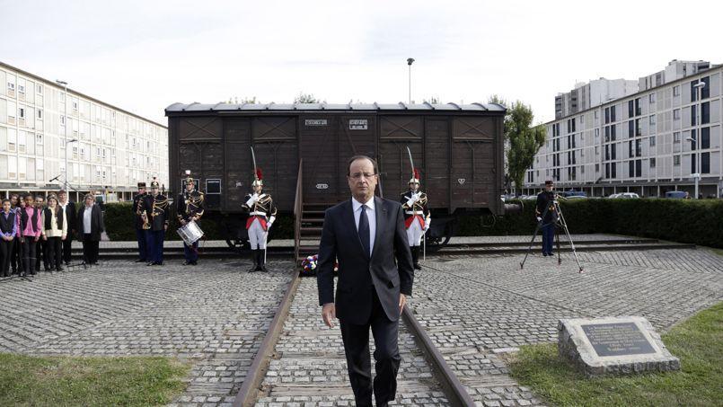 François Hollande le 21 septembre dernier, devant un train symbolisant le camp de Drancy, durant l'inauguration du nouveau mémorial de Drancy.