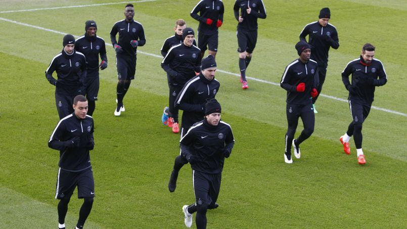 Le jeu technique impressionnant des joueurs du PSG à l'entraînement