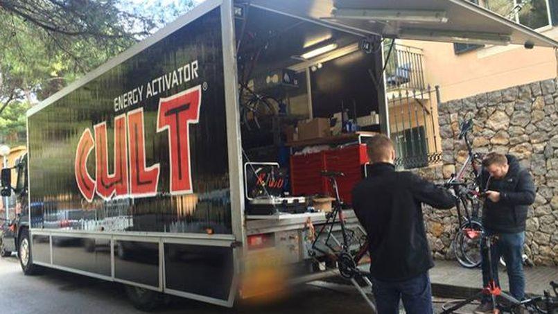 Le camion cambriolé de l'équipe cycliste danoise Cult Energy  (Crédits Photo: Twitter @CULTEEnergyPro).