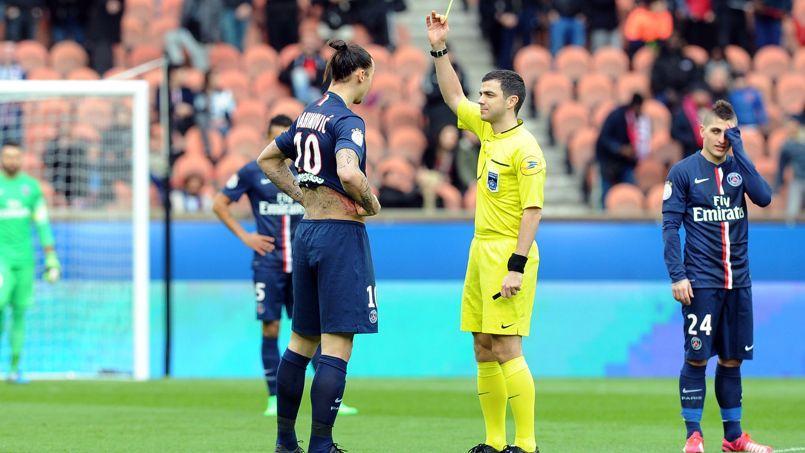 Les arbitres en colère dénoncent «l'ego surdimensionné» d'Ibrahimovic