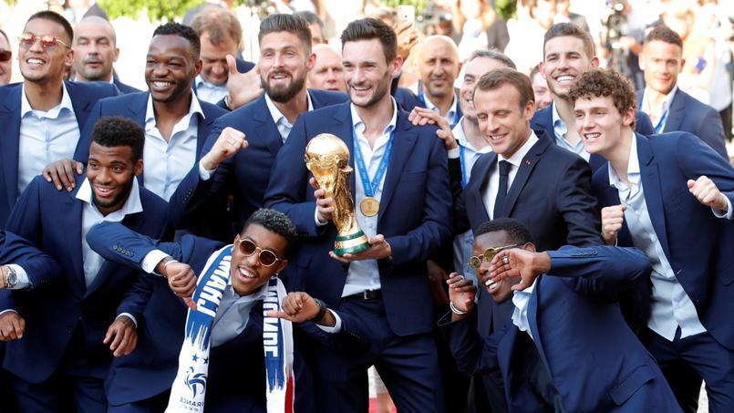 Les Bleus ont célébré avec Emmanuel Macron.