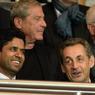 Nicolas Sarkozy est un grand supporter du Paris Saint-Germain. Dès que son emploi du temps le permet, il vient au Parc des Princes où il assiste au match au côté de Nasser Al-Khelaïfi, le président du club parisien.