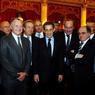 En février 2012, Nicolas Sarkozy a remis la médaille d'Officier de l'Ordre national du Mérite au président de la Ligue de Football Professionel, Frédéric Thiriez. L'occasion de poser aux côtés de nombreux présidents de club.