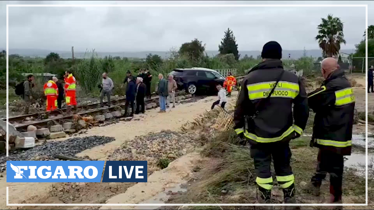 Italie: les pompiers et la police sur le terrain des inondations en Sicile