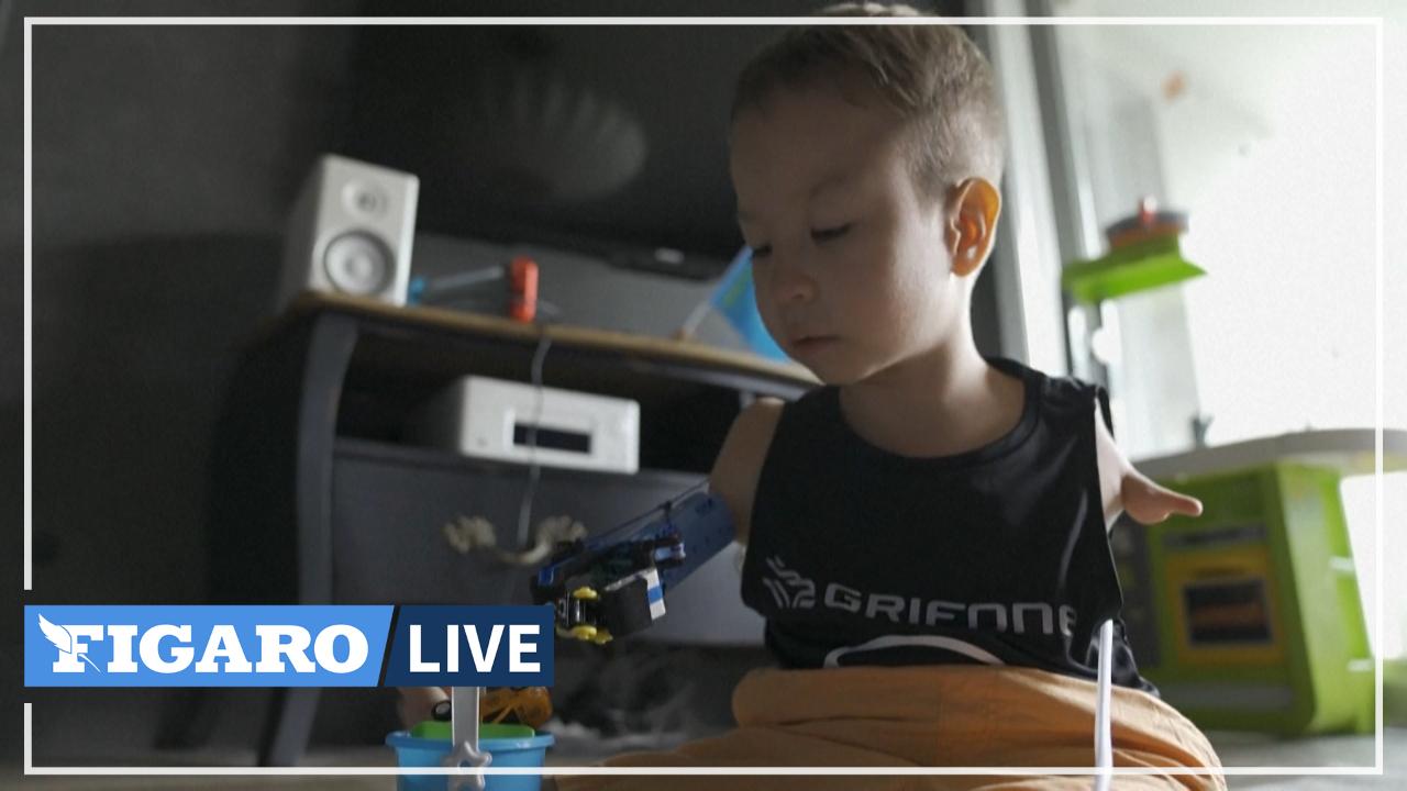 Né sans bras, cet enfant de 8 ans s'est fait construire une prothèse en lego