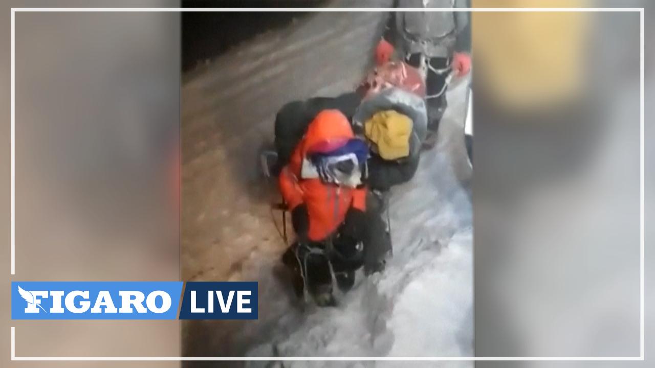 Les secours sauvent 14 alpinistes pris au piège d'une subite tempête de neige sur la montagne la plus haute d'Europe