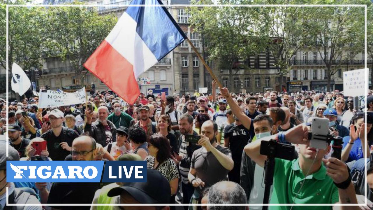 Des tensions éclatent peu après le départ du cortège parisien contre le passe sanitaire