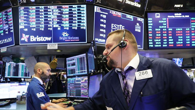 La Bourse de Paris creuse ses pertes à la mi-journée