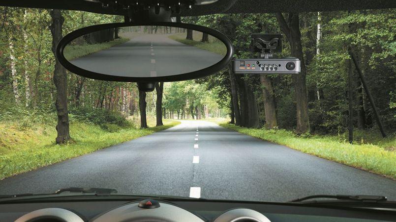 une cam ra embarqu e dans sa voiture un dispositif pris par les fran ais. Black Bedroom Furniture Sets. Home Design Ideas