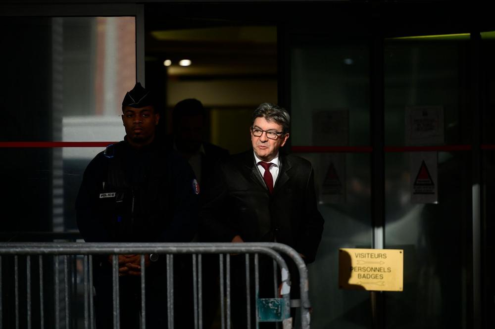 Fillon, Le Pen, Mélenchon... «Le parquet devrait traiter les opposants avec plus de respect !»