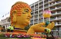 La pause photo du jour avec le Bouddha en citron de Menton